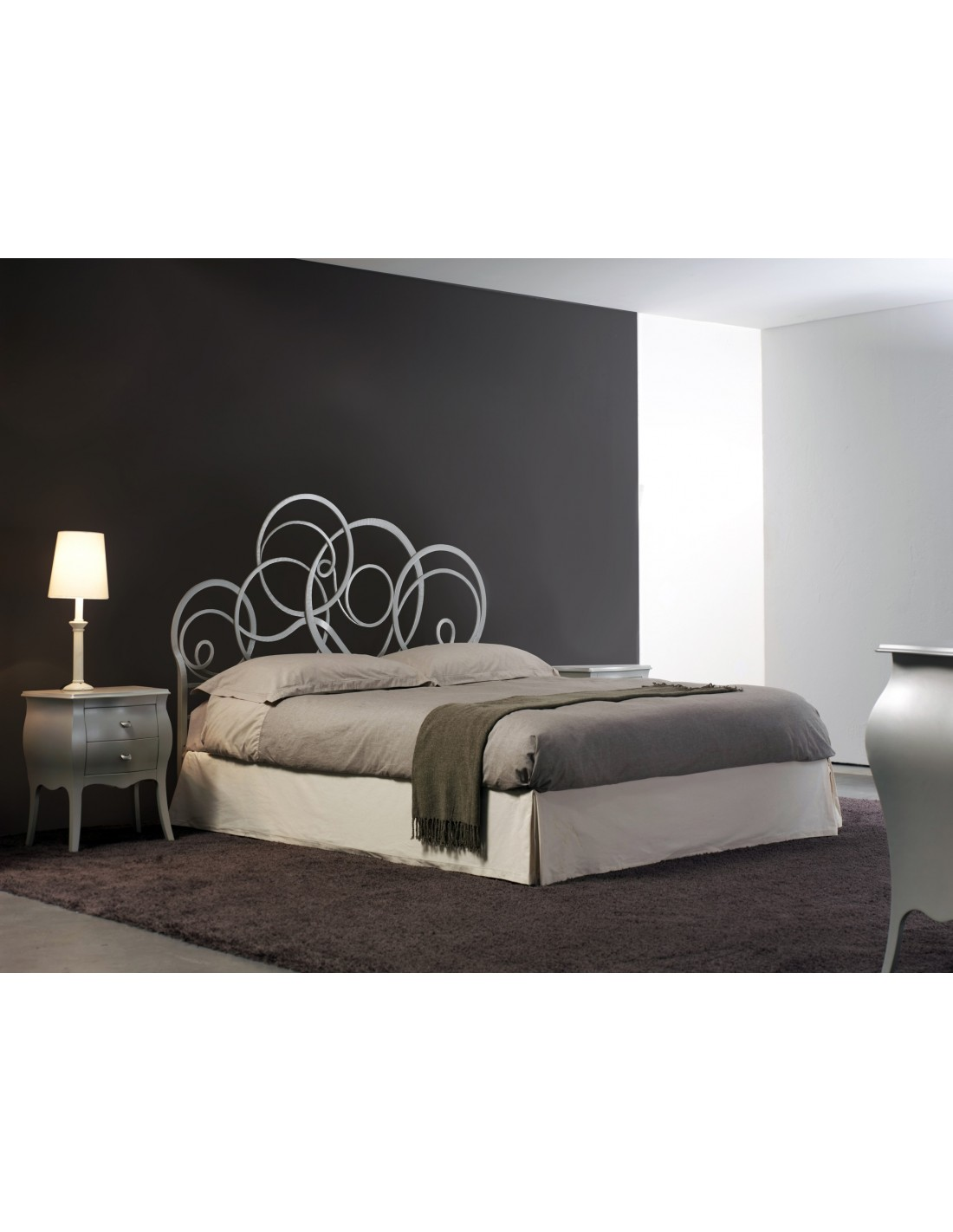 White Sofa Pillows