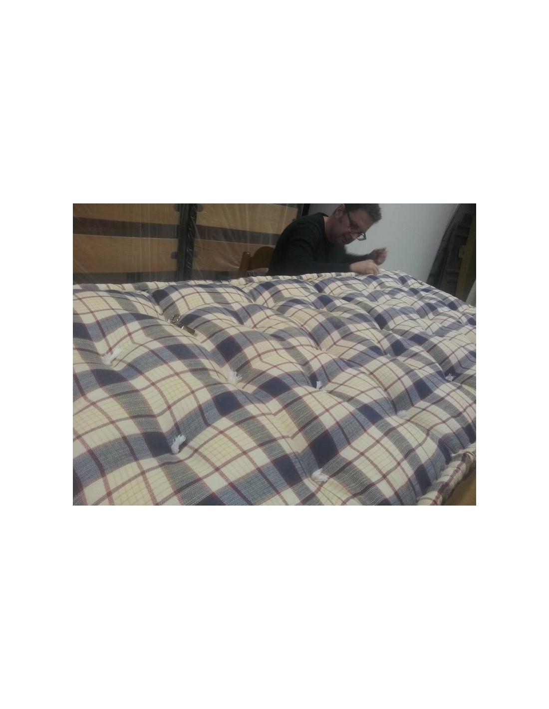 Materassi per divano come cuscini colorati ad uso letto for Materassi x divano letto