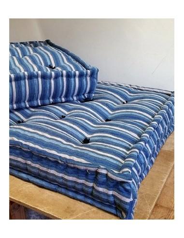 Materassi per divano come cuscini colorati ad uso letto materasso lana - Divano letto per dormire tutte le notti ...