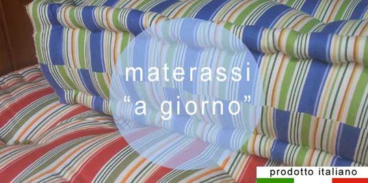 Materassi letti e cuscini miglior materasso - Divano fatto con materassi ...